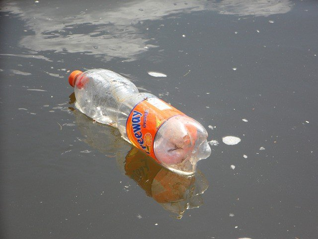 plastic-bottle-causing-water-pollution