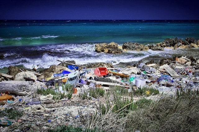 plastic-pollution-on-the-beach