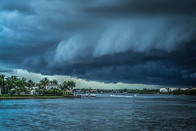storm-ocean-hurricane-florida