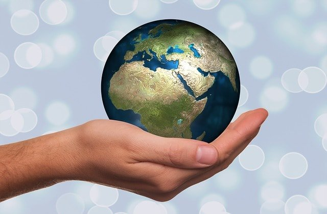 hand-keep-globe-earth-continents