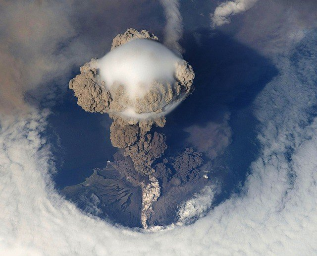 volcanic-eruption-pacific-ring-of-fire