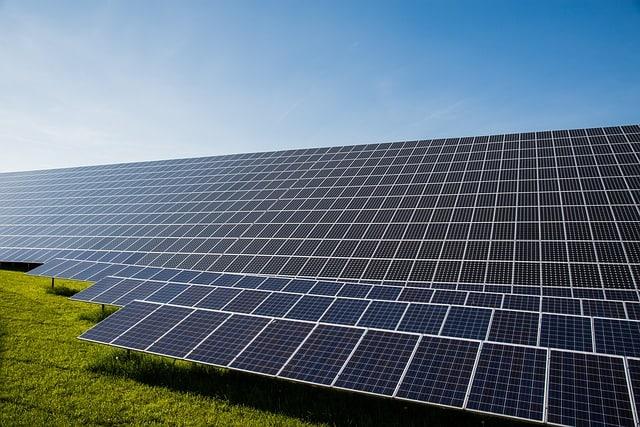 photovoltaic-solar-cells-current