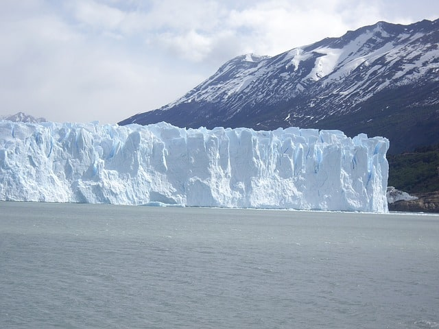 argentina-perito-moreno-glacier