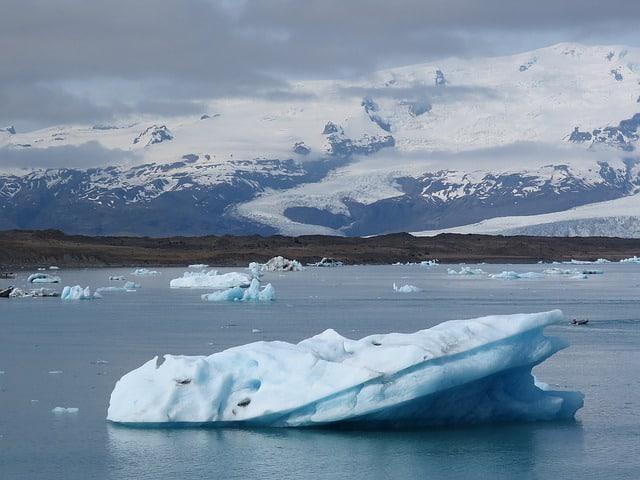 iceland-glacier-lagoon-vatnajokull