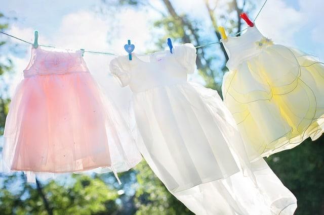 clothesline-little-girl-dresses