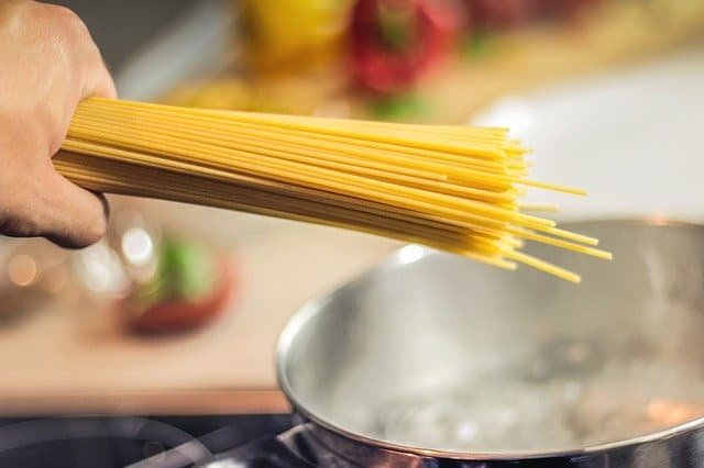 spaghetti-pasta-noodles-cooking
