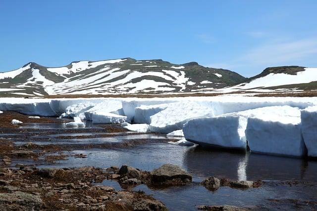 mountains-tundra-summer-snow